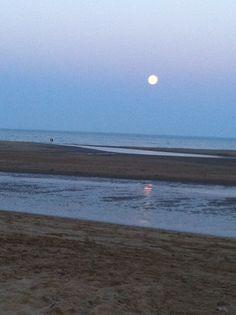 Luna llena en la playa