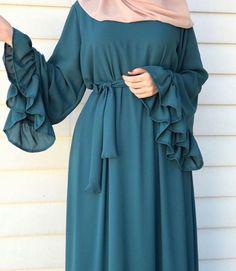 Modest Fashion Hijab, Abaya Fashion, Fashion Dresses, Muslim Women Fashion, Islamic Fashion, Hijab Fashion Inspiration, Mode Inspiration, Moslem Fashion, Mode Abaya