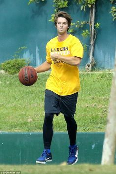 Game on: Patrick Schwarzenegger spent Labor Day playing basketball with friends… Lifetime Basketball Hoop, Basketball Court Layout, Basketball Finals, Basketball Games For Kids, Street Basketball, Basketball Scoreboard, Basketball Plays, Basketball Skills, Xavier Basketball