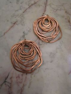 Wire copper earrings. Hammered finish.