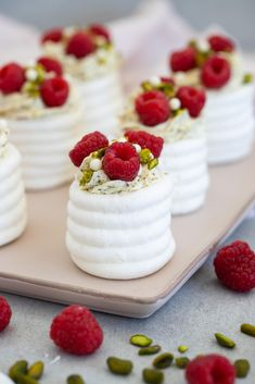 Fika, Cook At Home, Meringue, Delish, Wedding Cakes, Bakery, Cheesecake, Brunch, Food And Drink