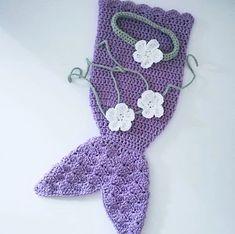 Crochet Patterns Mermaid Crochet Mermaid Headband, Flower Bikini, and Tail Pattern. Crochet Baby Cocoon, Free Crochet, Mermaid Photos, Crochet Mermaid, Knitting Designs, Baby Headbands, Photo Props, Crochet Patterns, Crochet Things