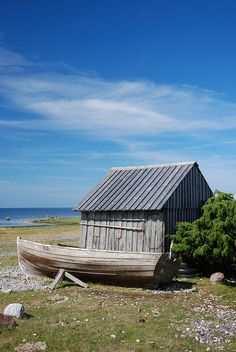 FÅRÖ  Fiskestuga by Flyfiction, via Flickr