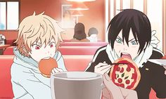 Why is Yato eating a whole pizza with chopsticks?