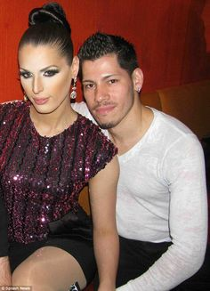 Transgender model and former RuPaul's Drag Race contestant Carmen Carrera, dishes on what it's like to be a trans woman in the dating world a new interview as she tries work on her marriage. Carmen Carrera, Transgender Model, Transgender People, Glamour Uk, My Wife Is, Rupaul, Happy Girls, Cute Couples, Beautiful Women