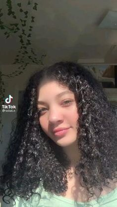 Curly Hair Styles Easy, Curly Hair Tips, Natural Hair Styles, Hair Up Styles, Clip Hairstyles, Cute Curly Hairstyles, Curly Hairstyles Tutorial, Mixed Curly Hair, Curly Hair Tutorial