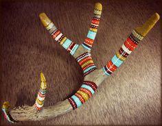 What about this on reindeer? Painted Deer Antlers, Painted Driftwood, Driftwood Art, Painted Branches, Cow Skull Art, Deer Skulls, Antler Crafts, Antler Art, Tribal Home Decor