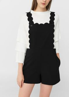 Scalloped flowy pinafore dress in black | MANGO