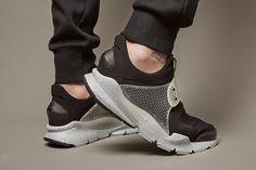 "outlet store 8e146 a4953 fragment design x Nike Sock Dart SP ""Oreo""   Highsnobiety"