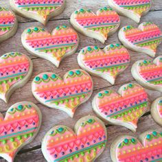 Funky colorful hearts by Hayleycakes and cookies
