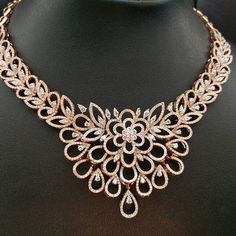 GABRIELLE'S AMAZING FANTASY CLOSET | Your jewellery speaks volumes about your personality... Stand out with this modern delicate rose gold diamond necklace #jewelry #Jewelrydesigner