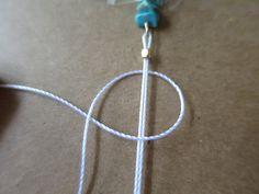 【ミサンガブレスの作り方】初心者でも簡単!平編みの編み方 | Hatorich Macrame, Activities, Bracelets, How To Make, Handmade, Jewelry, Ideas, Make Jewelry, Woven Bracelets