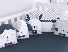 kit berço Modern Baby Bedding, Baby Bedding Sets, Baby Pillows, Baby Cot Bumper, Baby Cribs, Designer Baby, Baby Bedroom, Baby Boy Rooms, Bebe Born