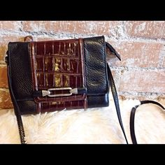 """Brighton Crossbody Purse Classic Brighton purse. Tons of pockets!! 30"""" strap drop. Has minor wear along edges as shown in last pic, overall great condition! Measures approx 7.5 x 7 . Brighton Bags Crossbody Bags"""