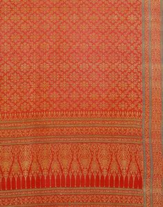 Ceremonial cloth wowen silk and gold wrapped thread made for the Thai market, 19th century © Victoria and Albert Museum