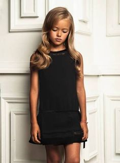 A beleza impressionante da modelo mirim Kristina Pimenova lhe rendeu, aos nove anos, o título de...