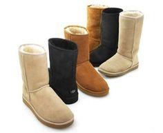 people wearing the brand-name UGG boots | En UGG ou en Moon Boots, vous passeserez l'hiver en après-ski