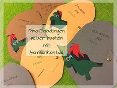 Dino-Einladungskarten zur Dinoparty selber basteln ist mit unserer Bastelvorlage gar nicht schwer. Die perfekte Einladung zum Kindergeburtstag mit dem Motto Dinosaurier: https://www.familienkost.de/artikel_dino_einladungskarten.html