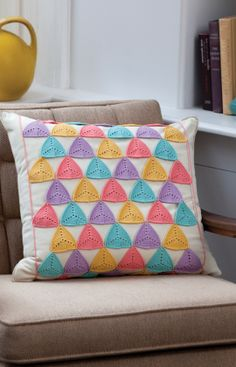 """Free pattern for """"Triangle Pillow Wrap""""!"""