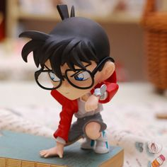 Ebay: Detective-Conan-Case-Closed-Squating-Conan-Anime-figure-Garage-Kits-toy-doll