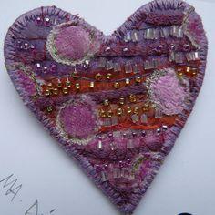 ominnimo: Heart Brooch