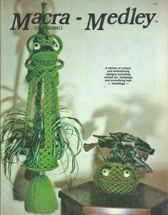 Vintage MACRAME Pattern Book Hanging FROG PLANTER Plant Stand Purse CURTAIN  in…