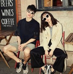 Yoon Seung Ah and Kim Moo Yeol - Elle Magazine March Issue Pre Wedding Poses, Wedding Couple Photos, Pre Wedding Photoshoot, Couple Posing, Couple Shoot, Fashion Couple, Fashion Editorial Couple, Couple Photography Poses, Elle Magazine