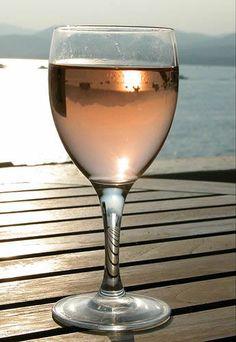 Rosé is delicious in summer when you are near of a sea or a pool  Le Rosé est incroyablement délicieux en été au bord de la mer ou d'une piscine.  #Rose #wine #vin