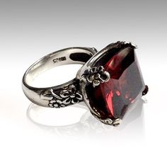 Large stone ring rose cut stone ring garnet ring by silvercrush Garnet Jewelry, Garnet Rings, Gold Jewelry, Vintage Jewelry, Unique Jewelry, Jewellery, Diamond Jewelry, Craft Jewelry, Jewelry Bracelets