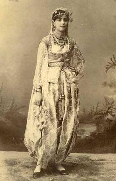 Tenue-traditionnelle-algéroise
