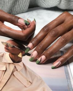 Pam sur Instagram: Who is in the mood for a new manicure? It's always a pleasure to have great nails here in black and green combination very popular right… Great Nails, Fun Nails, Nails Inspiration, Manicure, Mood, Popular, Green, Black, Instagram