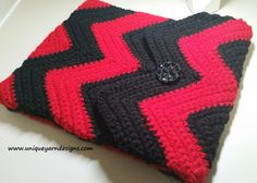 Unique Yarn Designs: Chevron Tablet Cover (for iPad but with resizing info) - free crochet pattern by Stephanie Grant.