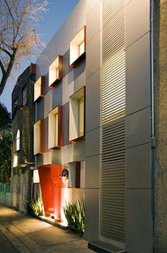 Corporativo ALEF por ART Arquitectos. Proyecto de remodelación e interiorismo en un poco atractivo edificio funcionalista de la tradicional colonia Cuauhtémoc en la Ciudad de México. Se le dio una nueva imagen, además de incorporar con estética y funcionalidad las necesidades de la empresa.  http://www.podiomx.com/2012/02/corporativo-alef-por-art-arquitectos.html