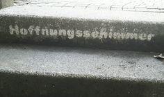 Hoffnung Hoffnungsschimmer street green urban reverse graffiti stencil art