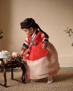 Little girl in hanbok