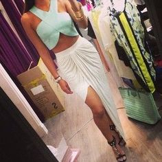 Love this look but I would choose different shoes. Maybe nude sandals! Sexy Outfits, Summer Outfits, Cute Outfits, Fashion Outfits, Summer Clothes, Women's Fashion, Dressed To Kill, Style Me, Glam Style