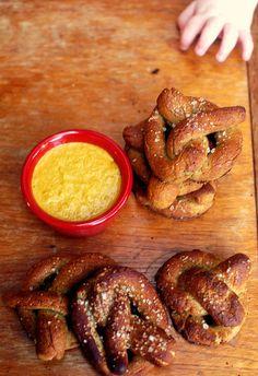 free pretzel, soft pretzel