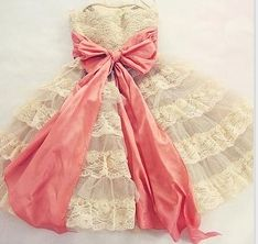 Vintage Lace Dress with pink bow Looks Vintage, Vintage Lace, Vintage Pink, Antique Lace, Vintage Tea, Vintage Style, Vestidos Vintage, Vintage Dresses, Girly