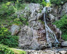 Turist in Romania : cascada Varciorog din Arieseni - galerie foto