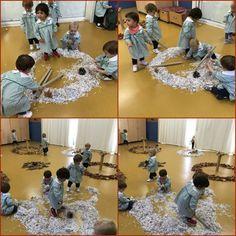 Instalaciones en Educación Infantil: cuando el alumno completa la obra de arte #instalaciones #educaciónInfantil #arte #creative #creatividad #experimentacion Reggio, Preschool Activities, Art Education, Montessori, Discovery, Lettering, Kid Art, 1 Year, Kids Painting Activities