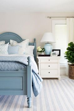 Modern Coastal Bedroom Decorating Ideas