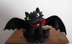 Young Toothless - Handamde plushies by Piquipauparro on DeviantArt How To Train Your, How Train Your Dragon, Httyd, Hiccup, Toothless Toy, Toothless Pattern, Night Fury Dragon, Plushie Patterns, Dreamworks Dragons