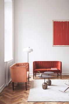 pink and red velvet sofas. / sfgirlbybay