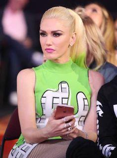 Blake Shelton Gwen Stefani, Blake Shelton And Gwen, Gwen And Blake, Gwen Stefani And Blake, Gwen Stefani Style, Gwen Stephanie, Gwen Stefani No Doubt, Nostalgia, Famous Girls