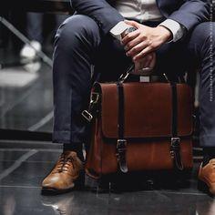 ZETTINO l Upscale leather bags for every men Briefcase For Men, Leather Briefcase, Leather Luggage, Leather Handbags, Leather Bags, Suitcase Bag, Leather Portfolio, Men's Backpacks, Messenger Bag Men