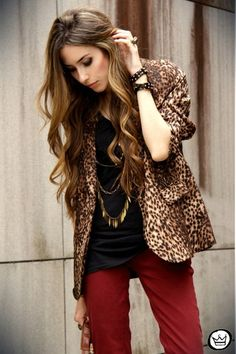 Love the coloured denim, gold necklaces!  Wonder if I could pull off a leopard blazer....