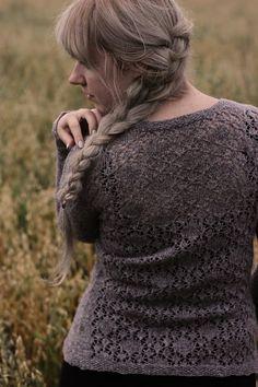 Uan by me.  Oma takkiohje. Ravelryn Where we once knitted -ryhmässä on takeista yhteisneulonta käynnissä. Palkintoja ja kaikkea! Tulkaa mukaan!