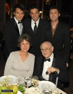 John Mayer - The Mayer Family BUT NO OMG I MEAN HIS BROTHERS