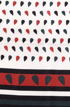 Questo foulard è nato perchè anche la moda possa avere il cuore grande! #grade #foulard #diffusionetessile #AI13