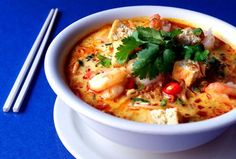 Seafood Laksa - Spicy Malaysian Coconut Cream and Seafood Soup! Seafood Soup, Seafood Dishes, Seafood Recipes, Soup Recipes, Cooking Recipes, Shrimp Stew, Recipies, Laksa Soup, Ramen Soup